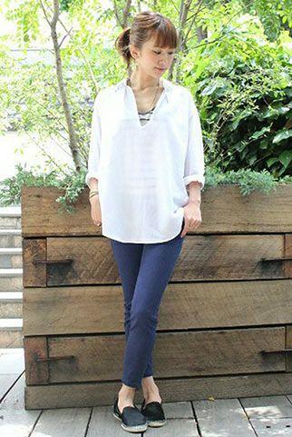 白スキッパーシャツ+紺レギパンの夏コーデ♡30代アラサー女性のスキッパーシャツのコーデ♡
