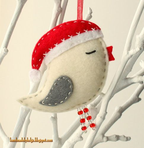 I want to try and make these myself... Should be easy... Felt Birds with Santa Hats: