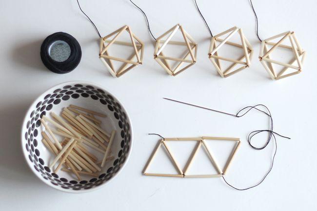 A l'origine, l'himmeli est un mobile fabriqué avec des bouts de paille et de ficelles pour former une forme géométrique. Il devient un objet design actuel.
