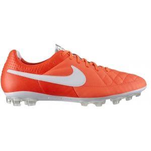 Nike Tiempo Legacy AG Naranja-Blanco  El modelo que llevan jugadores como Piqué o Ramos. Las Nike Tiempo son las botas más clásicas de Nike.   http://www.4tres3.com/botas-futbol/1271-nike-tiempo-legacy-ag-naranja-blanco.html