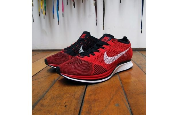 Nike Flyknit Racer Red/Black