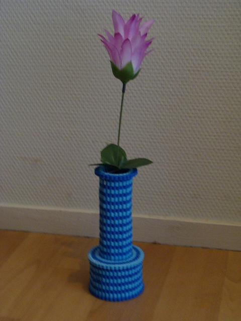 HAMA Vase with flower (my own design) by Yoshi 2000, via Flickr