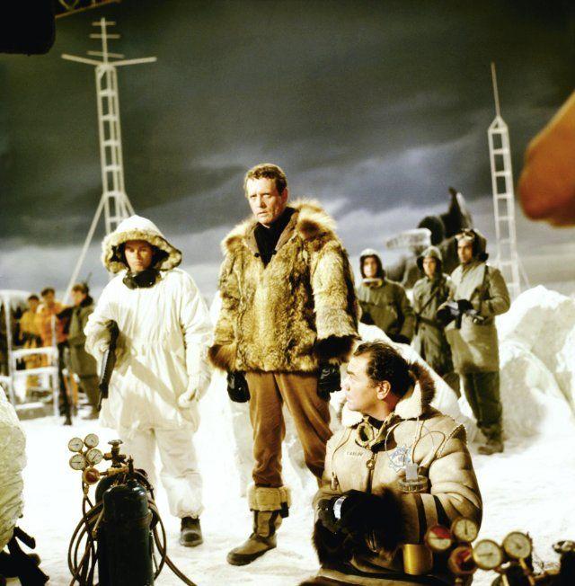 Still of Ernest Borgnine and Patrick McGoohan in Ice Station Zebra