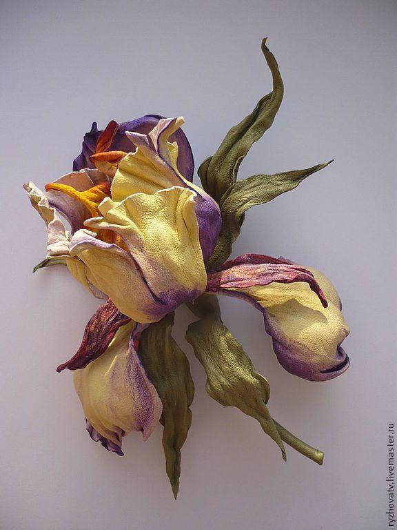 """Купить цветы из кожи. брошь-ирис """"Акварель"""". - брошь-цветок, цветок из кожи, натуральная кожа"""
