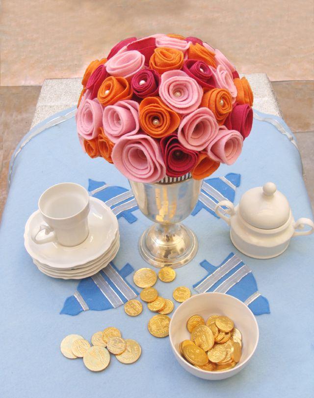 diy: felt rose buds...