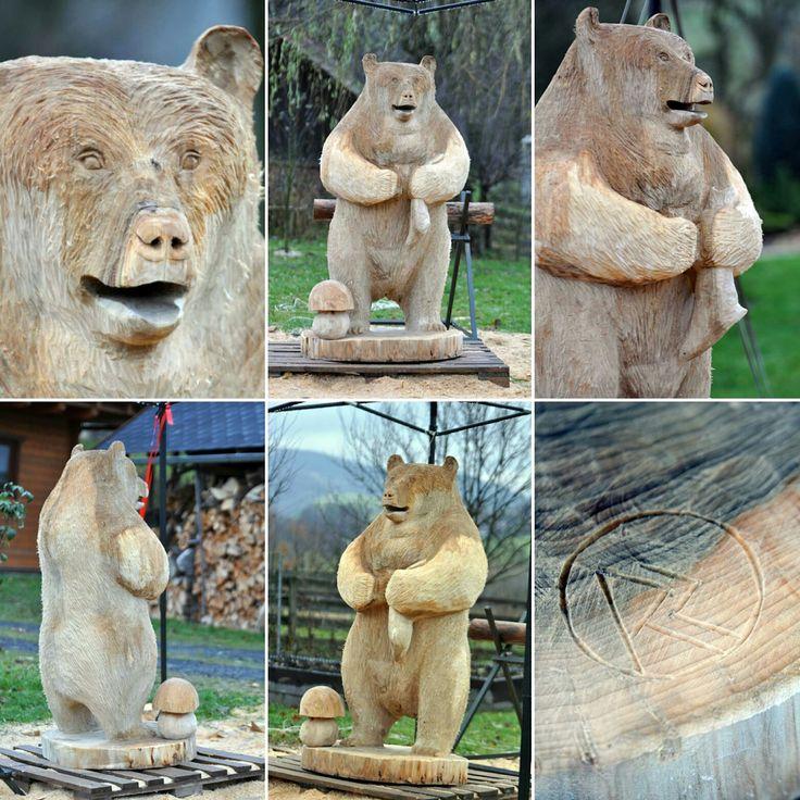 řezba medvěda do topolu