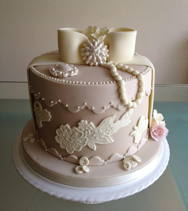 Vintage Fondant Cake Design : Vintage Hat Box Cake image259.jpg Beautiful Cakes ...