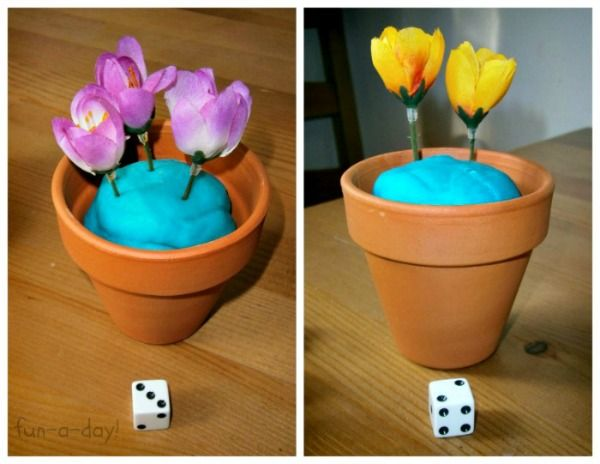 Math Activities for Preschoolers: One-to-One Correspondence from www.fun-a-day.com Roll the die and plant that amount of flowers