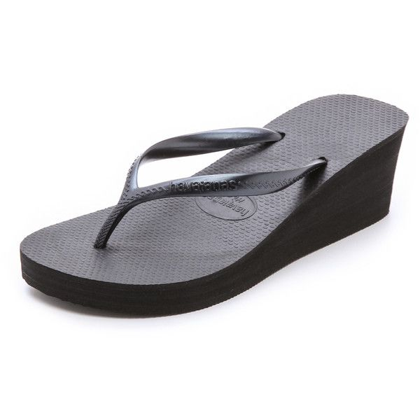 Havaianas High Fashion Wedge Flip Flops (245 VEF) ❤ liked on Polyvore featuring shoes, sandals, flip flops, black, rubber sandals, sandals flip flops, wedges shoes, black wedge shoes y black platform wedge sandals