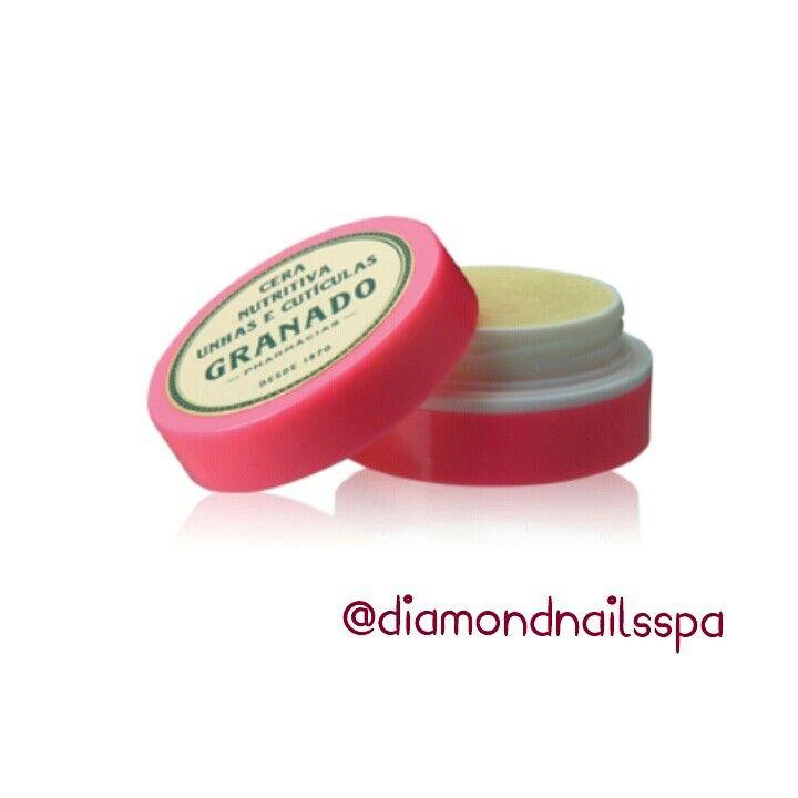 Produzida com cera vegetal de cereais associada ao leite de aveia e uma combinação de silicones que juntos promovem hidratação,maciez e regeneração das cuticulas,dando brilho e um belo aspecto às unhas com toque não oleoso. Aqui no Diamond Nails Spa você encontra este produto,ligue agora e reserve o seu. (41) 3029-3131 ou (41) 9747-9504. #diamondnailsspa #diamondnails #spa #produtos #granado #fortalecedor #tratamento #unhas