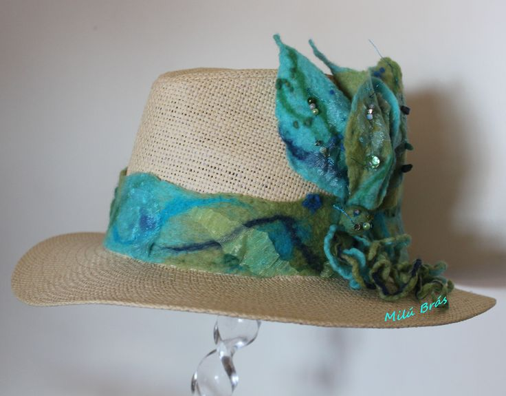 hat in felted wool 30€