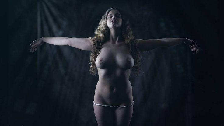 Big girls, you are beautiful! Für verführerische Fotografie bedarf es keine Size Zero, denn auch die richtige Ausstrahlung und weibliche Kurven gehören ...