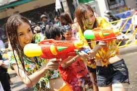 Songkran 2015 / Water Fight Festival / Thai New Year. http://www.igotravel.co.za/holiday/songkran-thai-new-year/