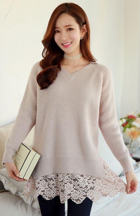 StyleOnme_Side Slit V-Neck Knit Sweater #lace #feminine #floral #vneck #sweater #knit #koreanfashion #wintertrend #kstyle #seoul #kfashion #pretty #soft #girly