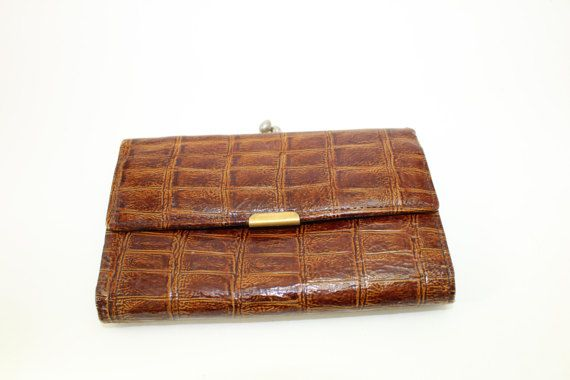 my mom had this---faux alligator wallet  vintage womens tri-fold wallet  1970s