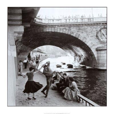 Rock n Roll sui moli di Parigi Poster di Paul Almasy