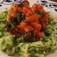 Pasta van courgette met kip-groenten- tomatensaus : Recepten van Domy