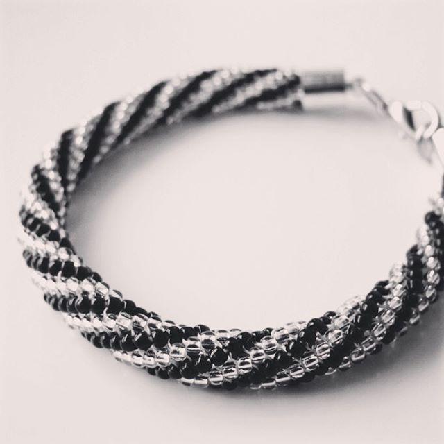 #beading #bracelet #beadedbracelet #DIY #jewellery