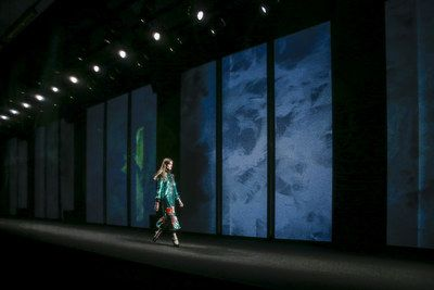 Gucci Fall 2016 Ready-to-Wear Atmosphere and Candid Photos - Vogue
