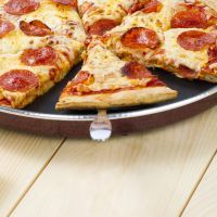 """PIZZA HUT PEPPERONI PIZZA RECIPE: ~ From: """"RECIPE 4 LIVING"""" ~ Recipe Courtesy Of: """"DINELL W; Chicago, Ill. *** Want Pizza Hut pizza at home? Try this copycat recipe and never order delivery again."""