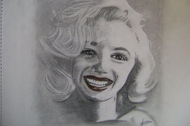 carboncillo y lápiz de carbón - Marilyn Monroe