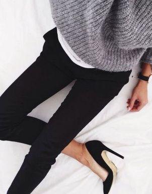 jean noir + gros pull + escarpins