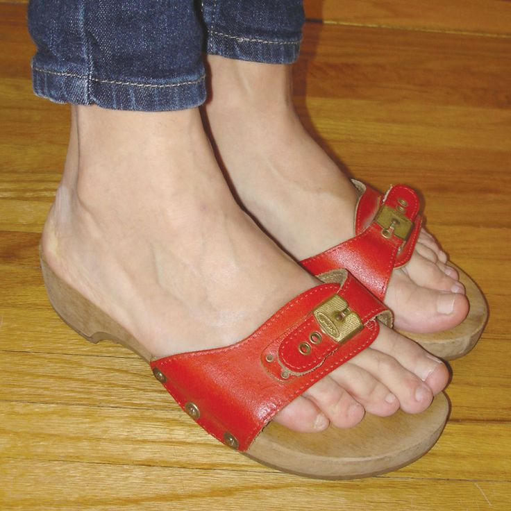 Vintage cherry red leather Dr. Scholl's excercise sandals