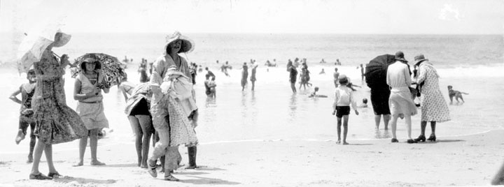 File:Queensland State Archives 1163 Beach scene Caloundra January 1931.png