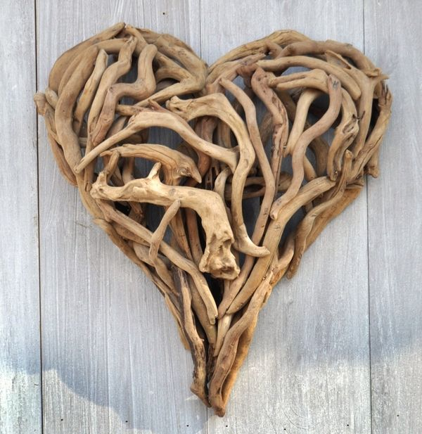 driftwood heart- love taking driftwood home from our travels, this would be a nice way to display it!