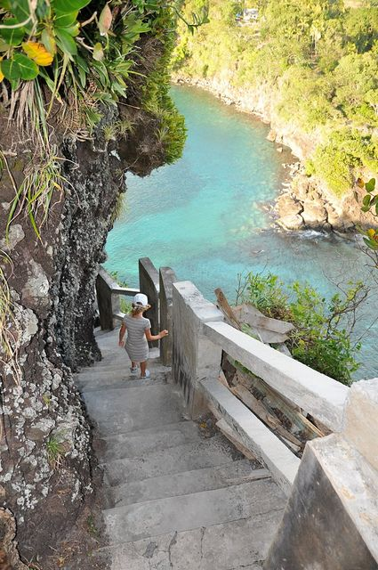Going to the beach, Antilles, Saint Vincent and Grenadines (by tuvaou).