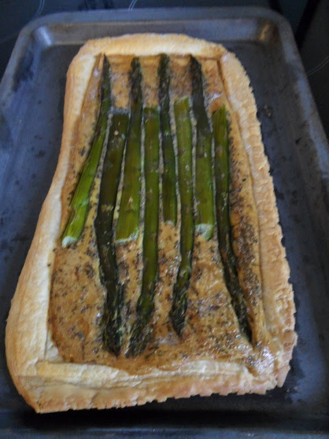 Asparagus tart by Craft with Ruth Cartwright
