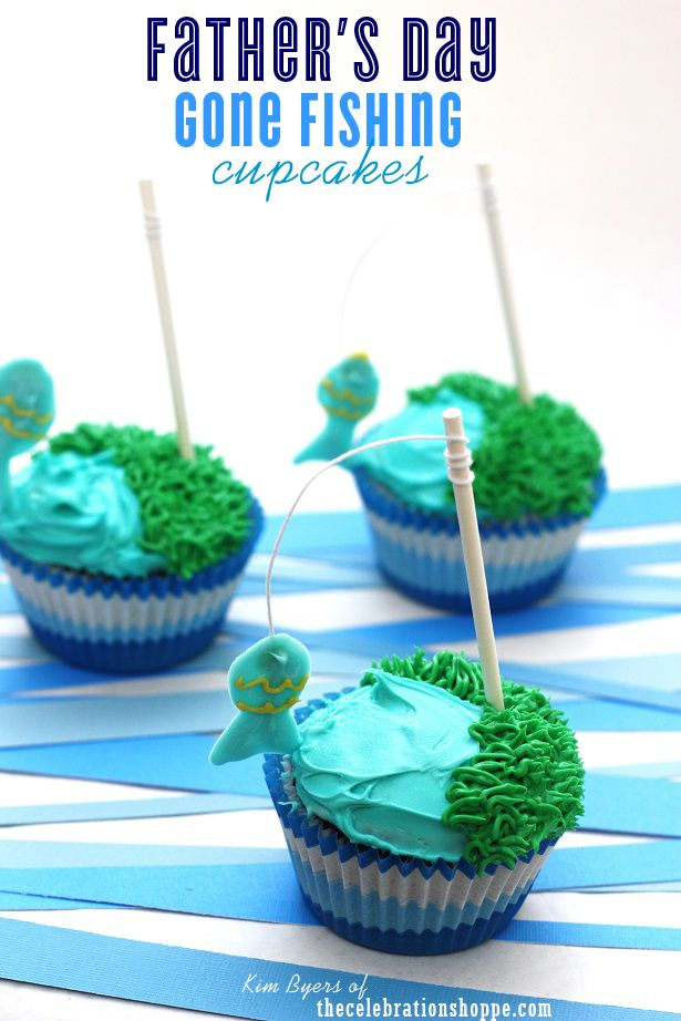 Father's Day Gone Fishing Cupcakes | step-by-step tutorial with Kim Byers of thecelebrationsho... #fathersday #cupcake #chocolatetransfer #funfood