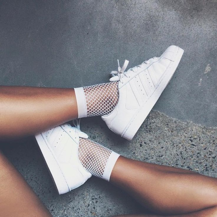 Sneakers women - Adidas Superstar and fishnet socks (©livrah) - http://amzn.to/2h2jlyc