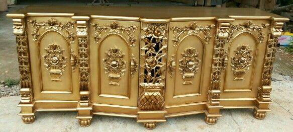 Golden Titania Buffet