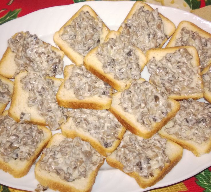 Reteta culinara Salata de ciuperci din categoria Aperitive / Garnituri. Cum sa faci Salata de ciuperci