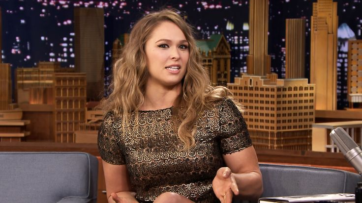 Wall Hit: Ronda Rousey Wallpapers