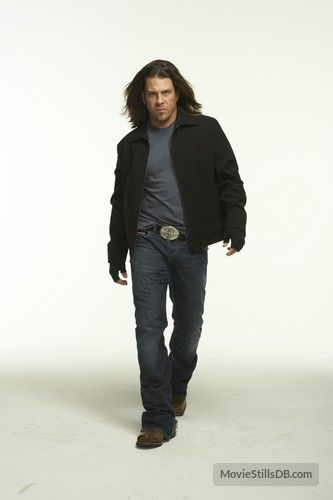 Leverage - Promo shot of Christian Kane