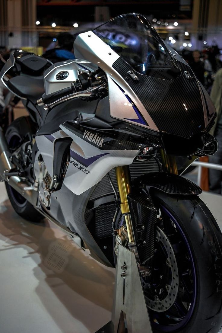 2017 yamaha yzf r6 officially unleashed http news maxabout com bikes yamaha 2017 yamaha yzf r6 officially unleashed yamaha r6 yzfr6 2017m