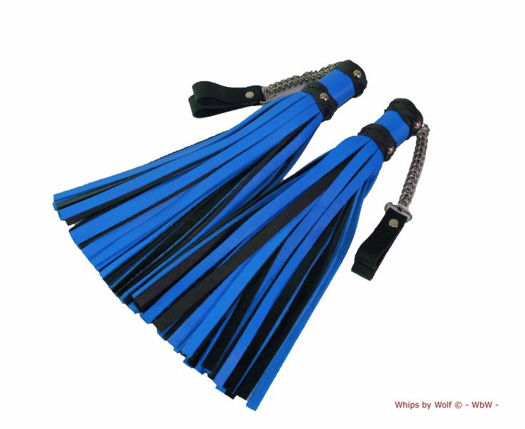 Set of leather bdsm poi floggers- ±45 falls each- Heavy stainless steel chainmail- Blue leather combined with black- thudy- Genuine leather by WhipsbyWolf