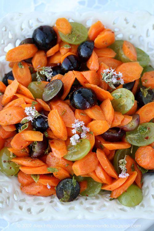 Insalata di carote e uva