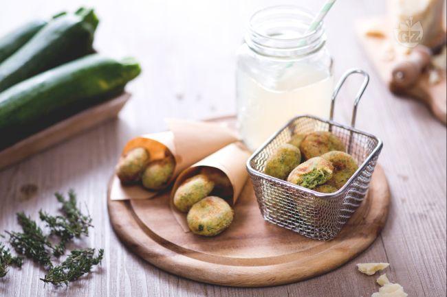 Trasformate la cena in una sfida all'ultimo bocconcino con le polpette di zucchine! un  irresistibile e dorato finger food ...per grandi e piccini!