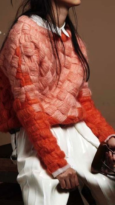 Chunky knit, sweater, cable knit, orange and red sweater, beautiful sweater, sweater weather, white pants, how to style a chunky knit sweater