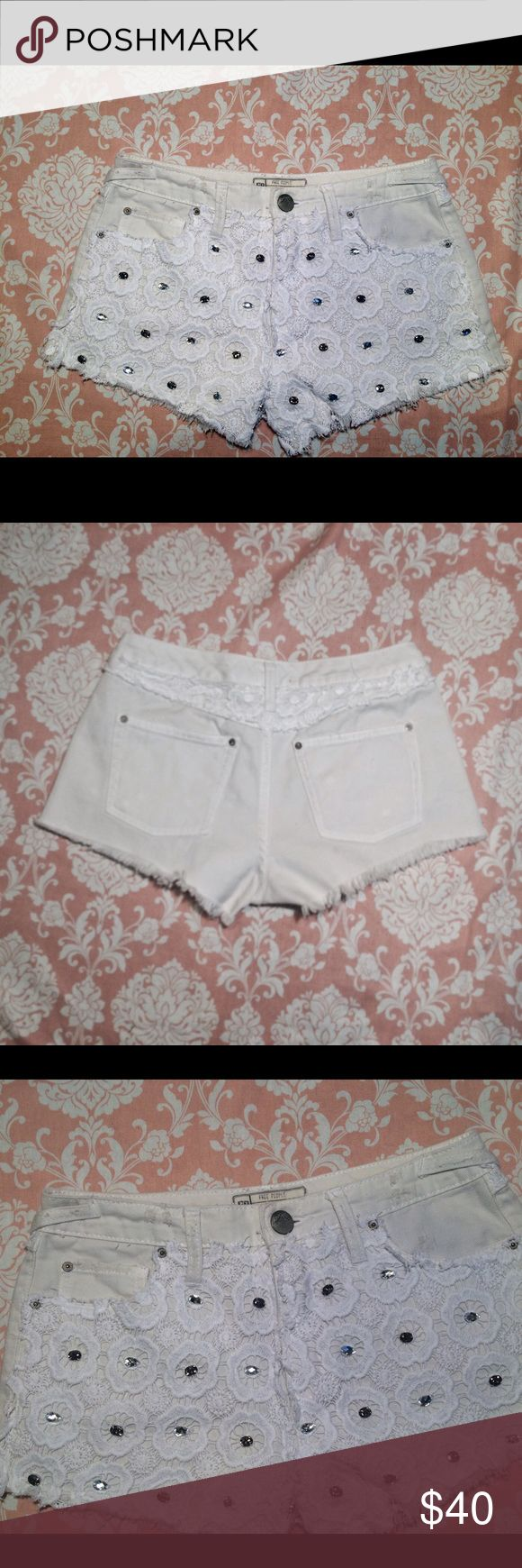 Free People Lace Cut Off Sparkle Shorts sz 25 Free People Lace Cut Off Sparkle Shorts sz 25 good used cond Free People Shorts
