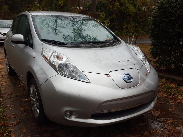 Modèle: Nissan LEAF S Année: 2015 Couleur externe: Argent Couleur interne: Noir Km: 25571Km Port derecharge rapideChademo Kit d'hiver (sièges chauffants avant et arrière + miroirs chauffants + volant chauffant). Batterie: 12 barres / 12 ELIGIBLE À LA SUBVENTION DE 4000 $pour les VZE d'occasion. Prix: 18 900 …