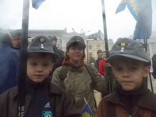 Via Laurent Brayard Enfants ukrainiens embrigadés dans l'#Ukraine brune, journaleux français ouvrez les yeux !