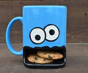 Cookie Monster mug with Cookie holder