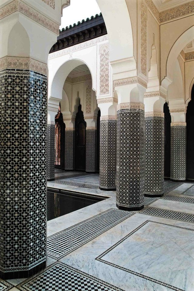 手机壳定制comfortable nursing shoes for flat feet Mosaic tile columns and arches  what   s not to love Le Selman  Marrakech Morocco