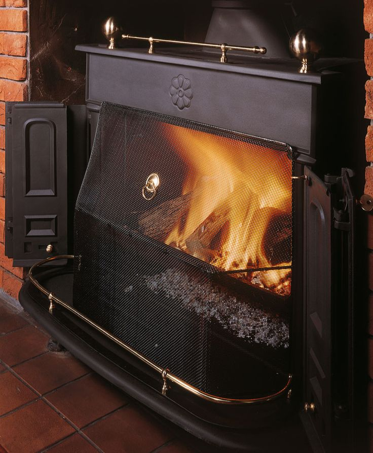 Designed by Benjamin Franklin, this multi-fuel stove creates all the atmosphere of a traditional open fireplace. Available in 3 stove sizes.