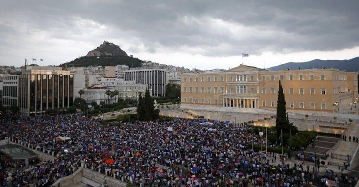 Impasse entre Grécia e credores afeta população - Fotos - UOL Economia