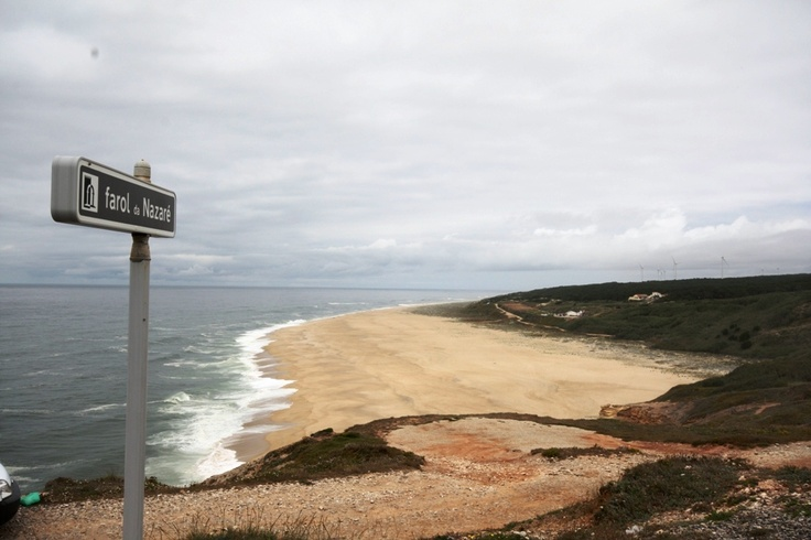 Praia do Norte/ North beach - Nazaré: The setting for the biggest wave ever surfed